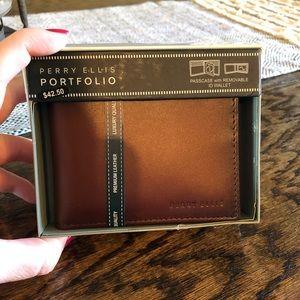 NWT Mens Perry Ellis Portfolio Leather Wallet